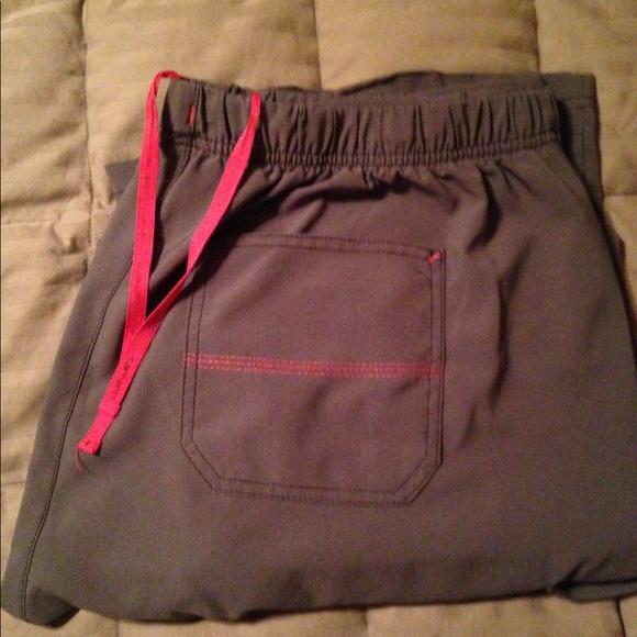 new list wholesale outlet on feet at Women's Carhartt Cross Flex Utility Scrub Pant